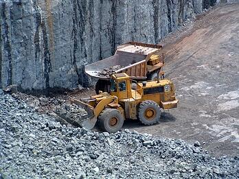 earth-moving-equipment5.jpg